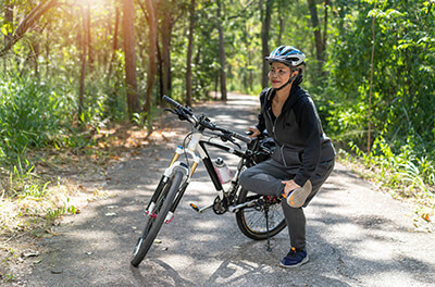 cyclist-stretching.jpg